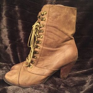 Jeffrey Campbell Size 10 lace up Booties
